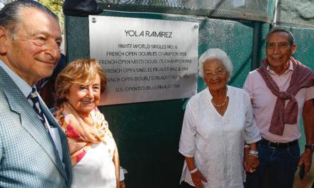 Reconocimiento a la trayectoria deportiva de Yola Ramírez y Rosie Reyes Darmon en el marco del AJM